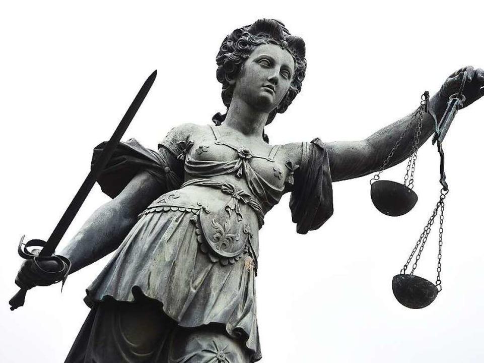 Im Neuenburger Feldmordprozess ist noch kein Urteil gefallen.  | Foto: dpa