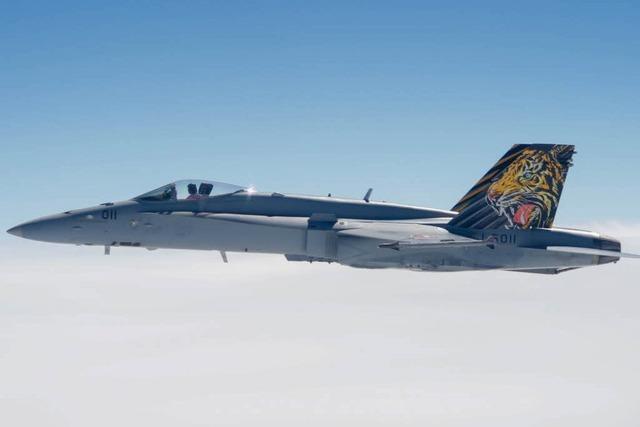 Zwei Knalle am Hochrhein: Luftwaffe eskortiert Flugzeug wegen Bombendrohung