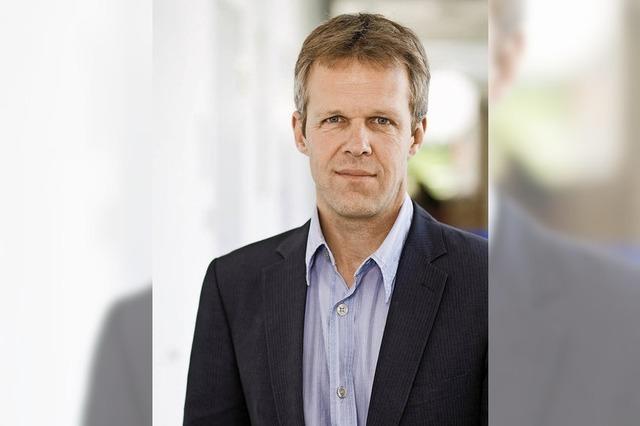 Leitender Arzt Thomas Unterbrink referiert im Kreiskrankenhaus über