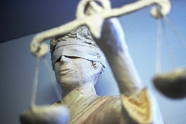 Richter erlässt Annäherungs- und Kontaktverbot