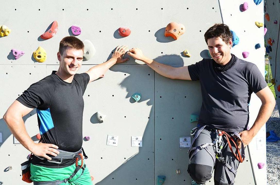Justus  Wilson (links) und Andreas Hummel haben die BZ-Route geschraubt.  | Foto: Christian  Kramberg