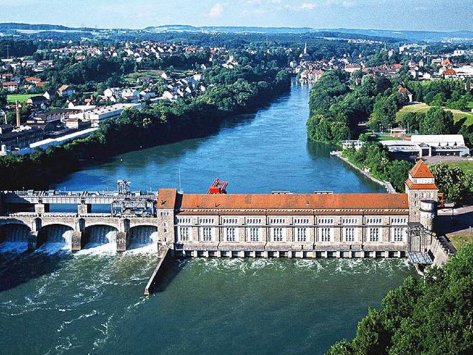 Rund ums   Kraftwerk Laufenburg ist  e...auchten Rheinschwimmer gesucht worden.  | Foto: BZ