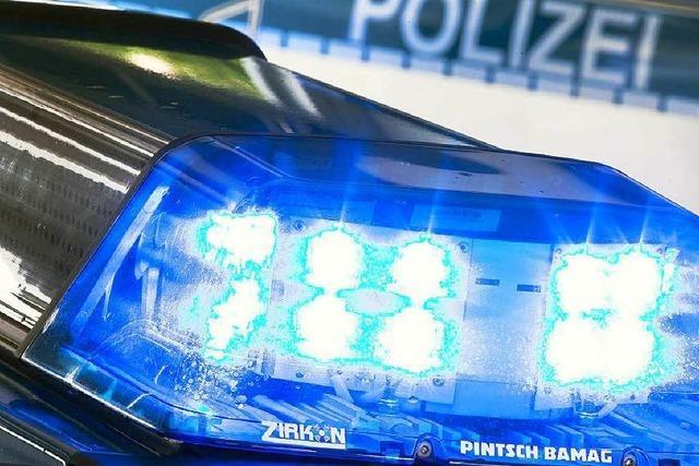 Frau sticht Sechsjähriger mit Messer in den Hals