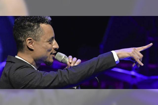 José James eröffnet im Rosenfelspark das Stimmen-Festival
