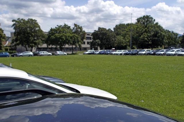 Mehr Parkplätze auf dem Festplatz