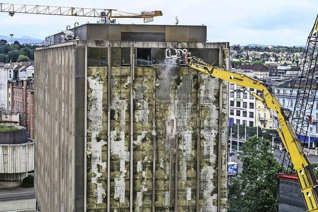 Hotel Hilton wird abgerissen, damit der Baloise Park verwirklicht werden kann
