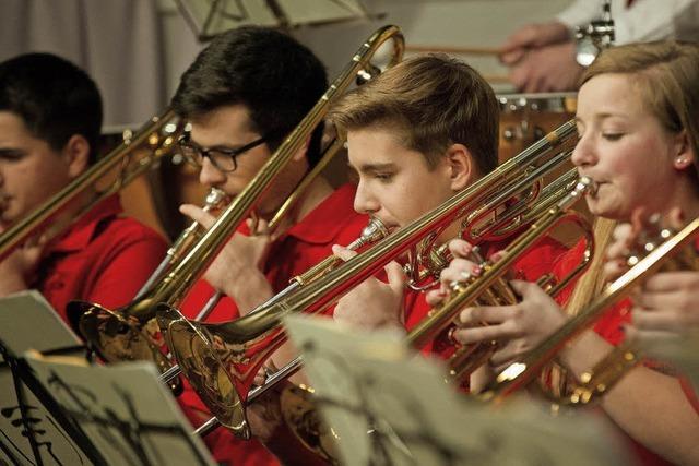 Mit Stadtmusik und Bläserjugend Lenzkirch in LEnzkirch