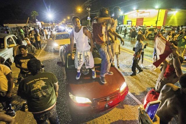 Polizei erschießt erneut Afroamerikaner