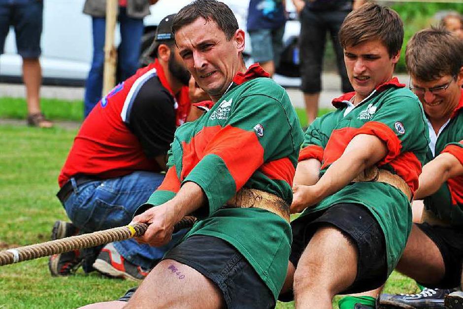 Die Simonswälder Tauziehtage: starke Sportler mit Leidenschaft und Teamgeist am Werk (Foto: Horst Dauenhauer)