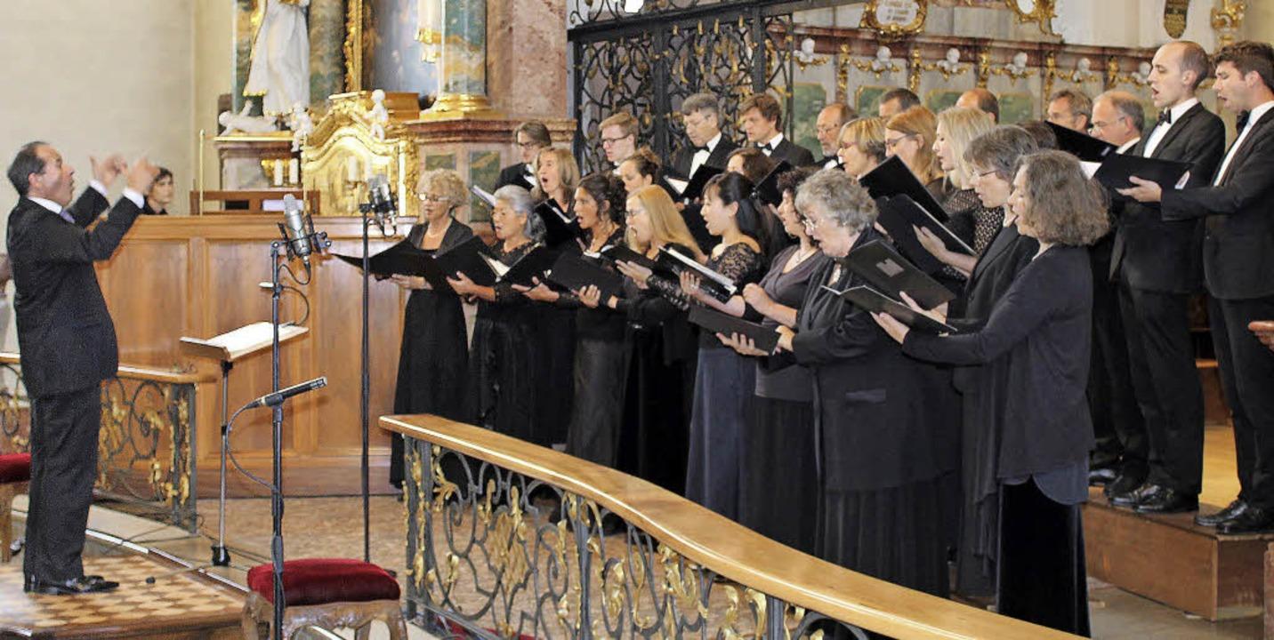 Der Kammerchor Hochschwarzwald unter J...cherte ein exzellentes Klangerlebnis.     Foto: Erich Krieger