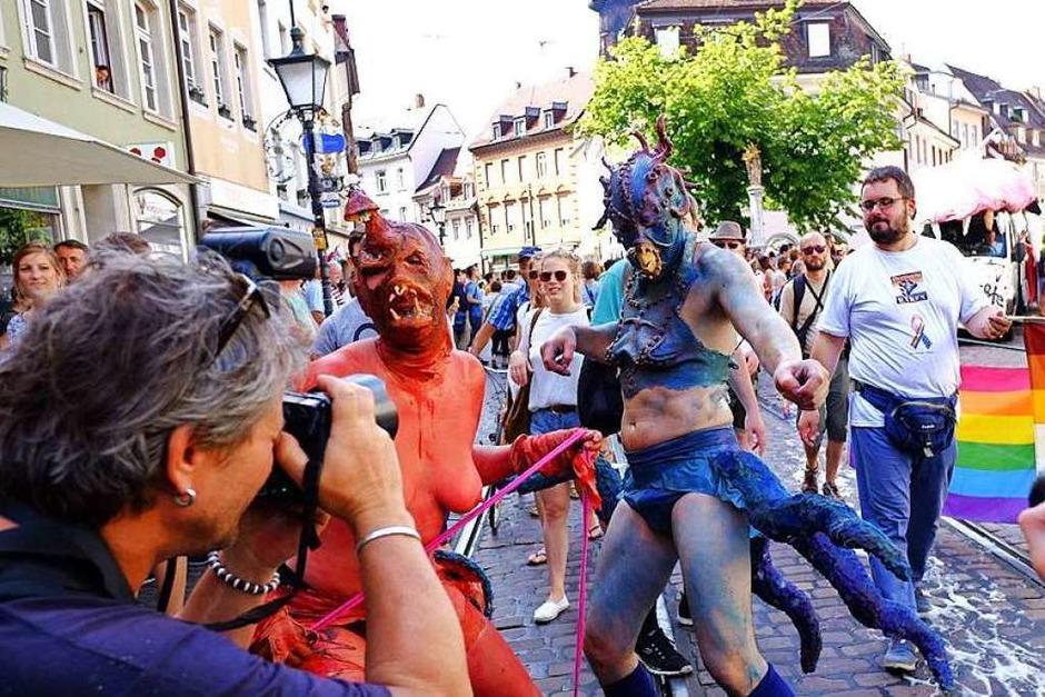CSD-Parade in Freiburg – ein buntes Statement für Liebe und Toleranz. (Foto: Miroslav Dakov)