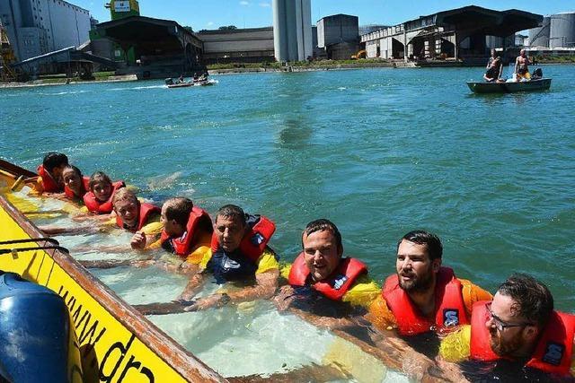 Drachenboot kentert bei Fun-Regatta