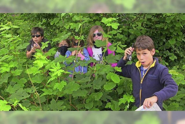 Raub in der Parkallee von Alexa Thiesmeyer mit Kinder aus Klassen 3 bis 7 in Lenzkirch