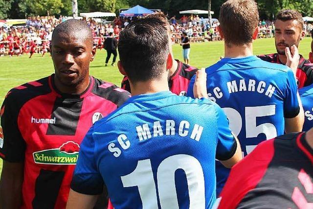 SC Freiburg spielt gegen SC March in neuen Trikots