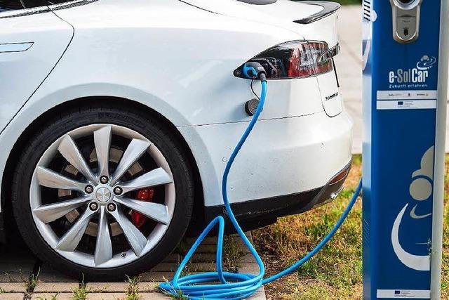 Kraftfahrtbundesamt misstraut Teslas Beta-Autopilot