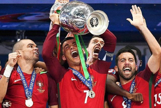 Titelparty trotz Verletzung: Ronaldo feiert historischen Triumph