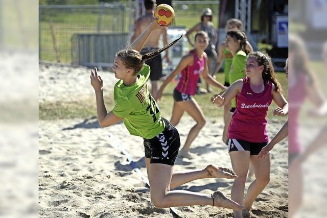 Beach-Handball in Ottenheim: Hausfrauen und ein Seriensieger