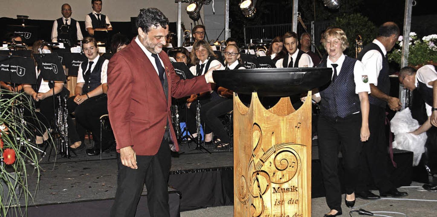 Der zum Ehrendirigenten ernannte Alber...irigent des  Hecklinger Musikvereins.   | Foto: Christiane Franz
