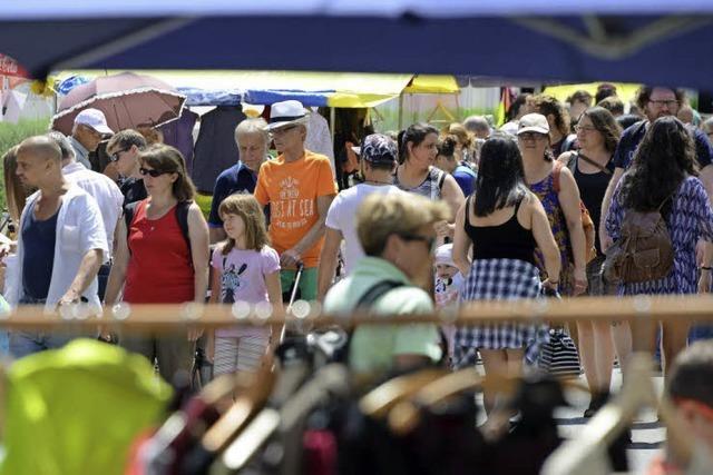 Das Flohmarkt-Fest auf der Habsburgerstraße lockte 18.000 Besucher an