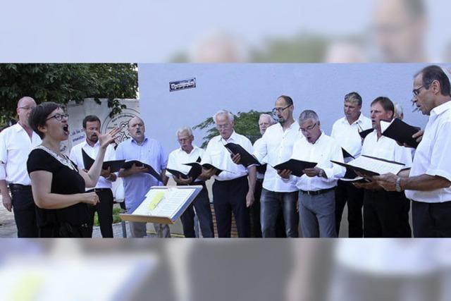 Männerchor präsentiert passendes Liedgut