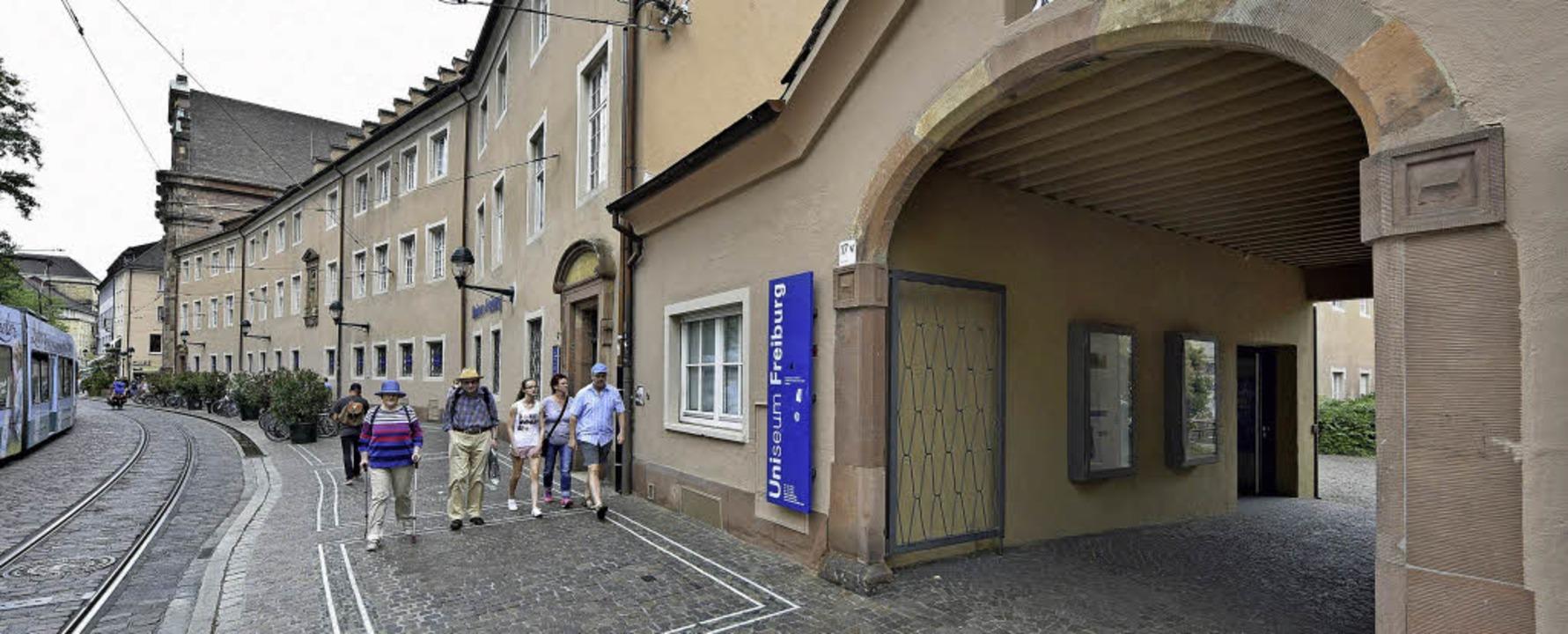 In der Alten Universität an der Bertol...lf Monaten das Literaturhaus Freiburg.  | Foto: michael bamberger