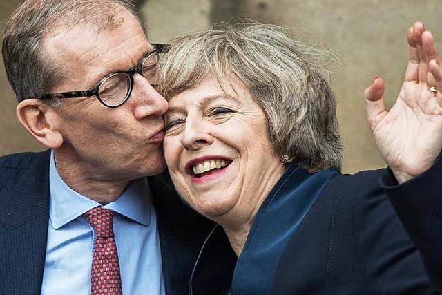 May wird Premierministerin – Opposition fordert Neuwahl