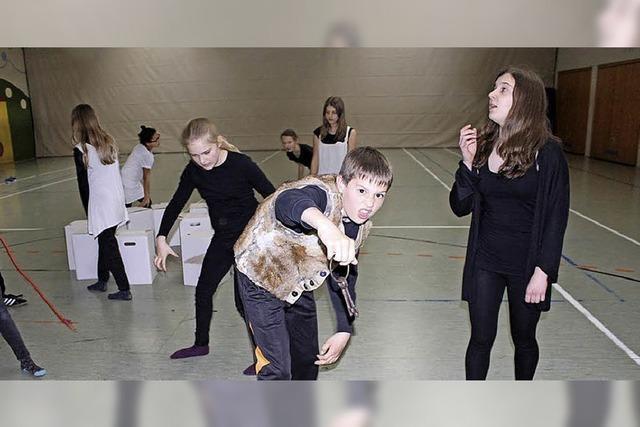 700 Besucher wollen das Theater der Realschule sehen