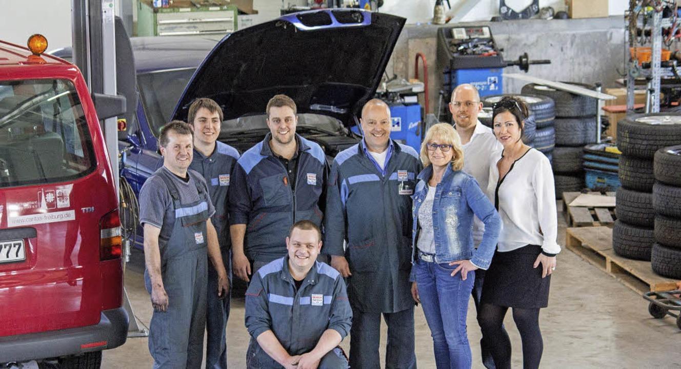 Die Mannschaft der Firma mit Silvio Wa...rzeugvertrieb UG, Patrick Korfmacher.     Foto: Helmut Hassler