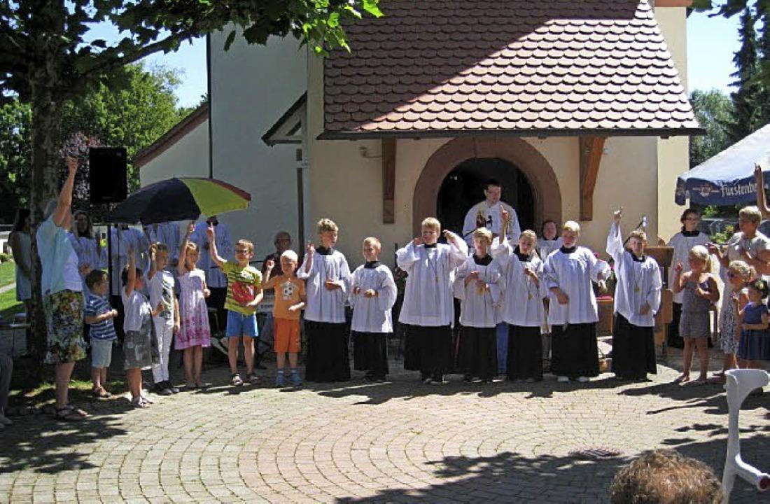 Auch die Kinder feierten mit beim Patrozinium.   | Foto: Hildegard Gebhard