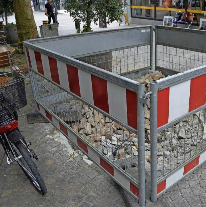 Am Marktplatz  musste das WC weichen. ...der Velohalle gibt's eine Alternative.    Foto: Mark Alexander