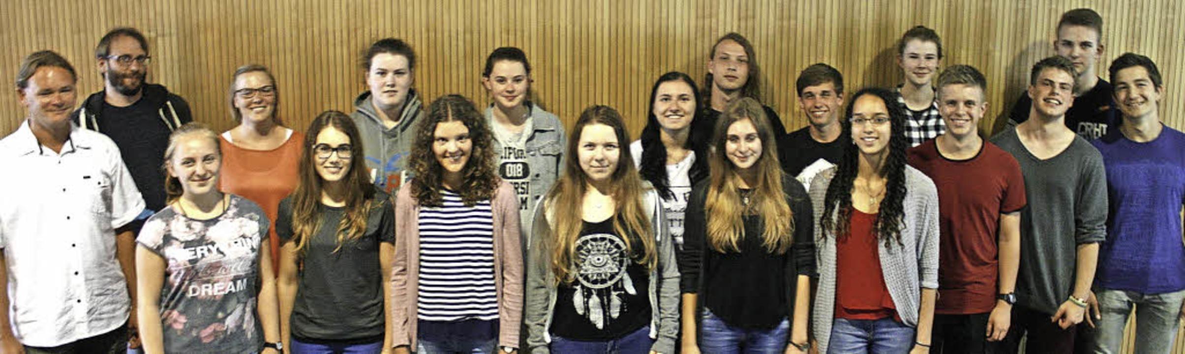 Schüler des Neuenburger Gymnasiums informieren sich über die EU.     Foto: jonas hirt