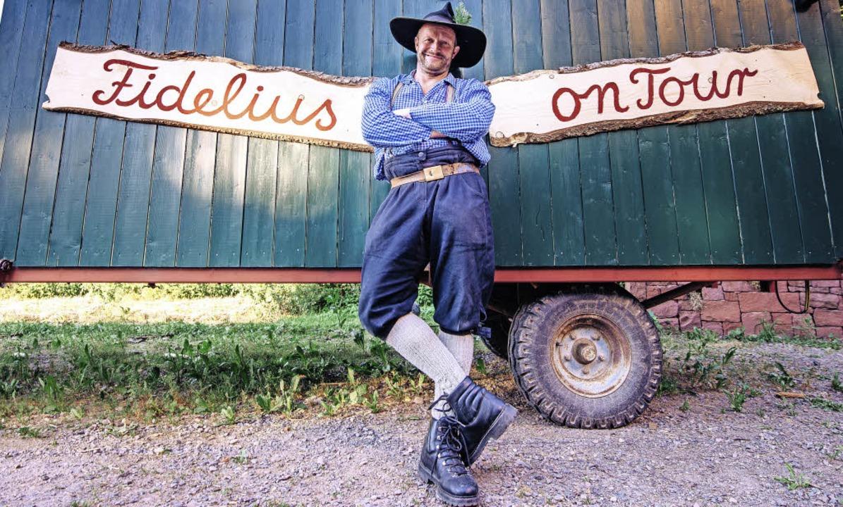 Martin Wangler  alias Fidelius Waldvog...ich auf große Tour durch die Heimat.      Foto: Privat
