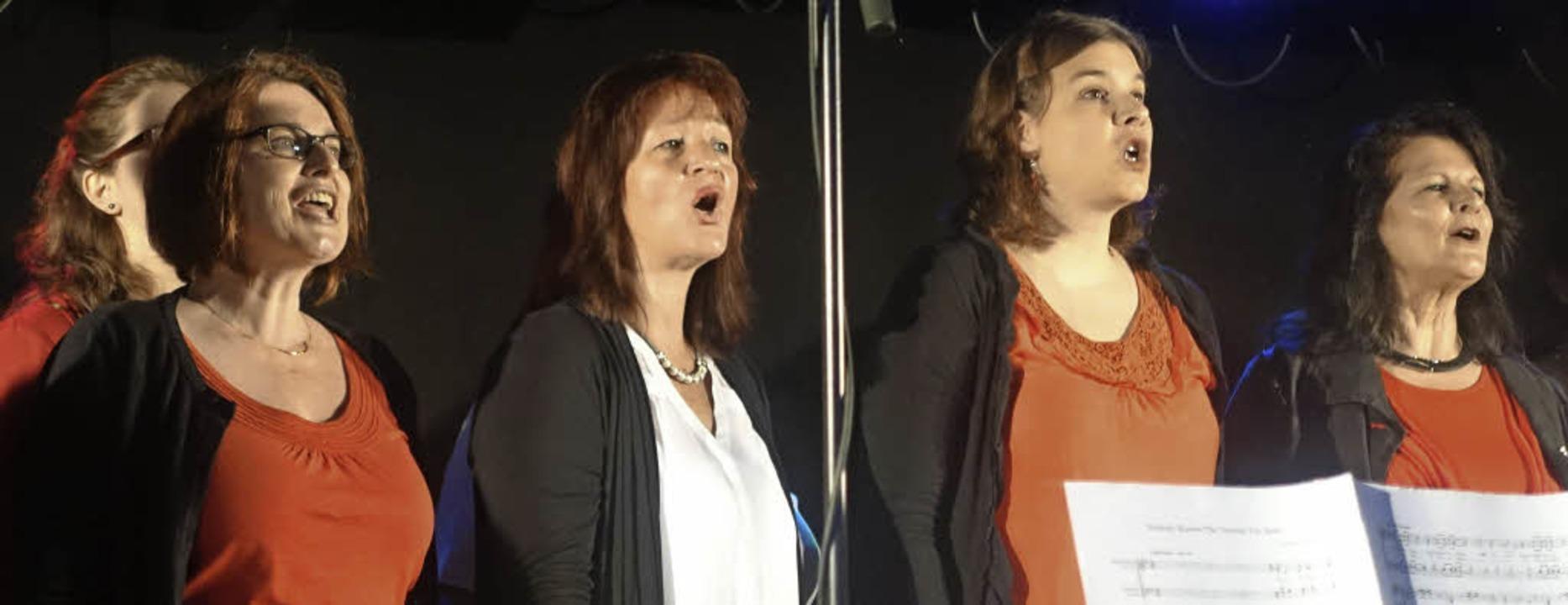 Gefühlvolle und mitreißende Songs brac.... Josef auf die Bühne im Vacono Dome.   | Foto: Roswitha Frey