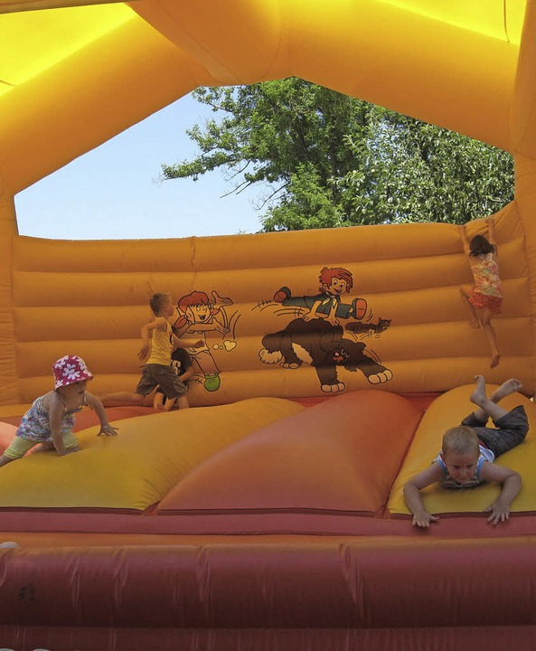 Für  Kinder  gibt's beim Bündtenfest eine Hüpfburg.     Foto: zvg