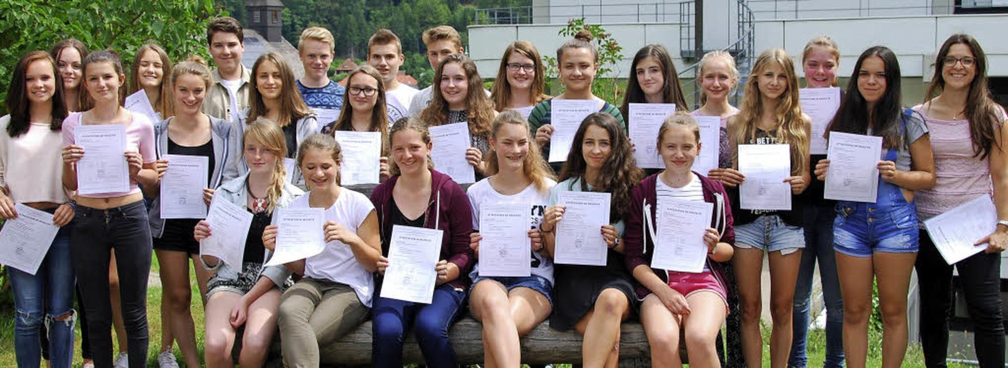 26 Schüler der Fürstabt-Gerbert-Schule...l anerkannte DELF-Prüfung vorbereitet.  | Foto: Privat