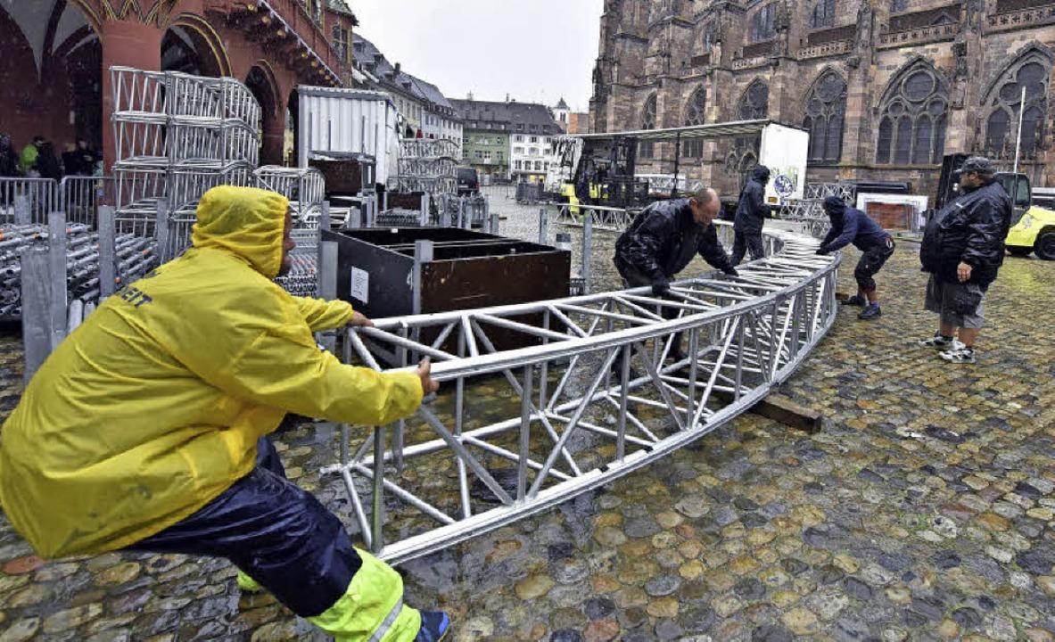 Bühne frei für den Abschied der SWR-Si...in Team hat mit der Montage begonnen.   | Foto: Ingo Schneider