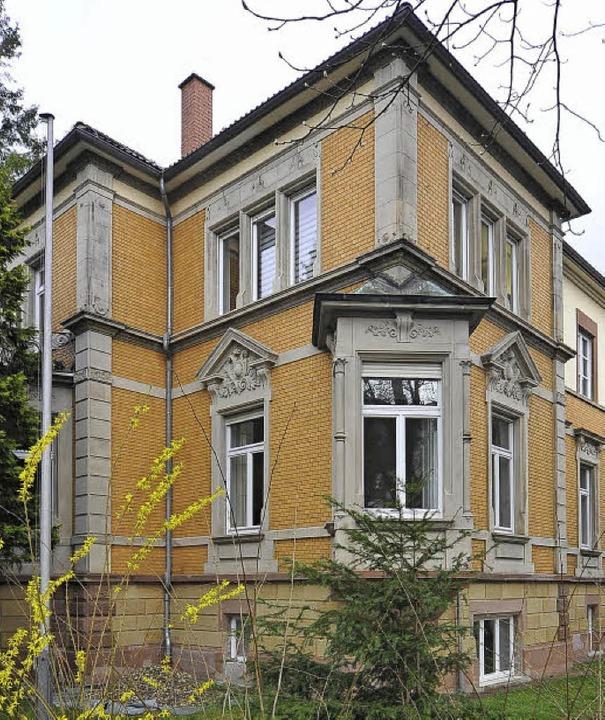 Kellerkind:  In diese Villa  zieht  das Zwetajewa-Zentrum ein.   | Foto: kunz