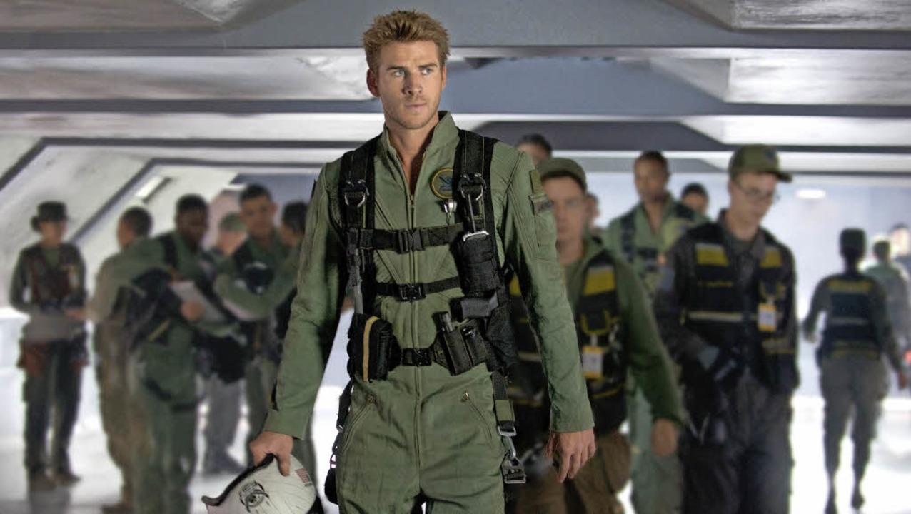 Wie können die Erdlinge ihren Planeten...Hemsworth als Kampfpilot Jake Morrison  | Foto: Fox
