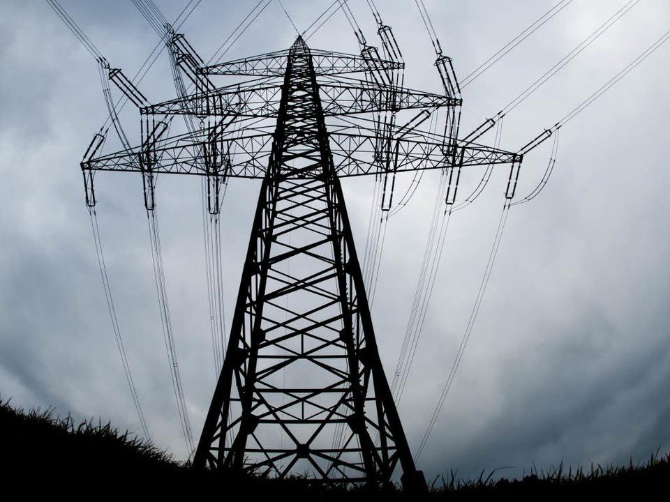 600 Haushalte waren am Donnerstagvormittag kurzzeitig ohne Strom (Symbolbild).  | Foto: dpa