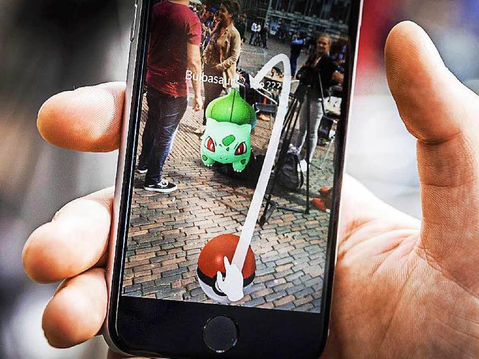 Das Pokémon-Go-Fieber greift  um sich,...ffiziell in Deutschland gestartet ist.  | Foto:  dpa