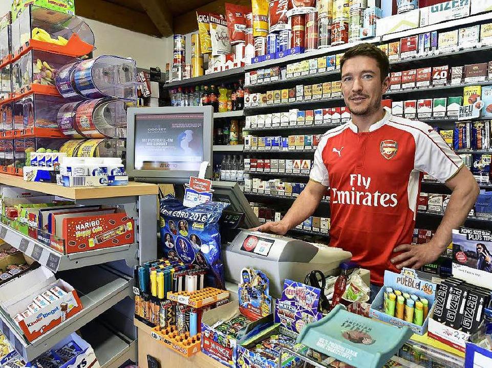 Patrick Pantli in seinem Kiosk in der Lassbergstraße    Foto: Thomas Kunz
