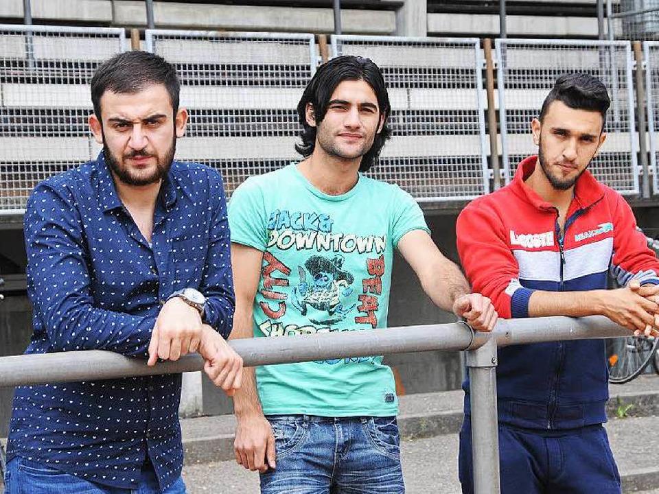 Osama Al Halaby, Masoud Abdullah  und ...nd die jungen Männer des Warten müde.     Foto: robert Bergmann
