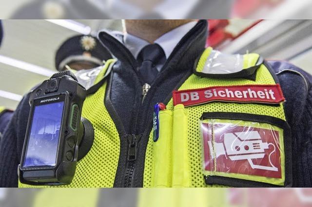 Die Deutsche Bahn testet Körperkameras an der Weste von Sicherheitsleuten