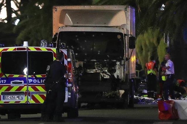 Nizza: Lastwagen rast in Menschenmenge - 77 Tote bei Terroranschlag
