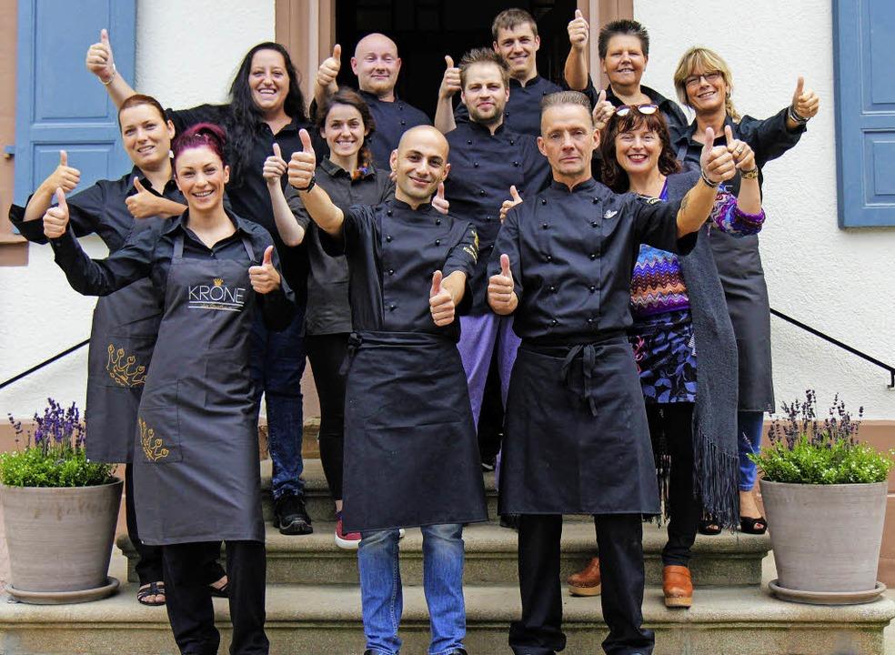 Auf die Plätze, fertig, los: das Team ...inter Restaurantleiterin Eveline Hoch.    Foto: krone