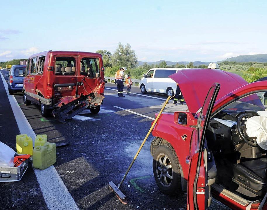 Drei Fahrzeuge sind am Donnerstagabend...nen Auffahrunfall verwickelt gewesen.   | Foto: Wolfgang Künstle