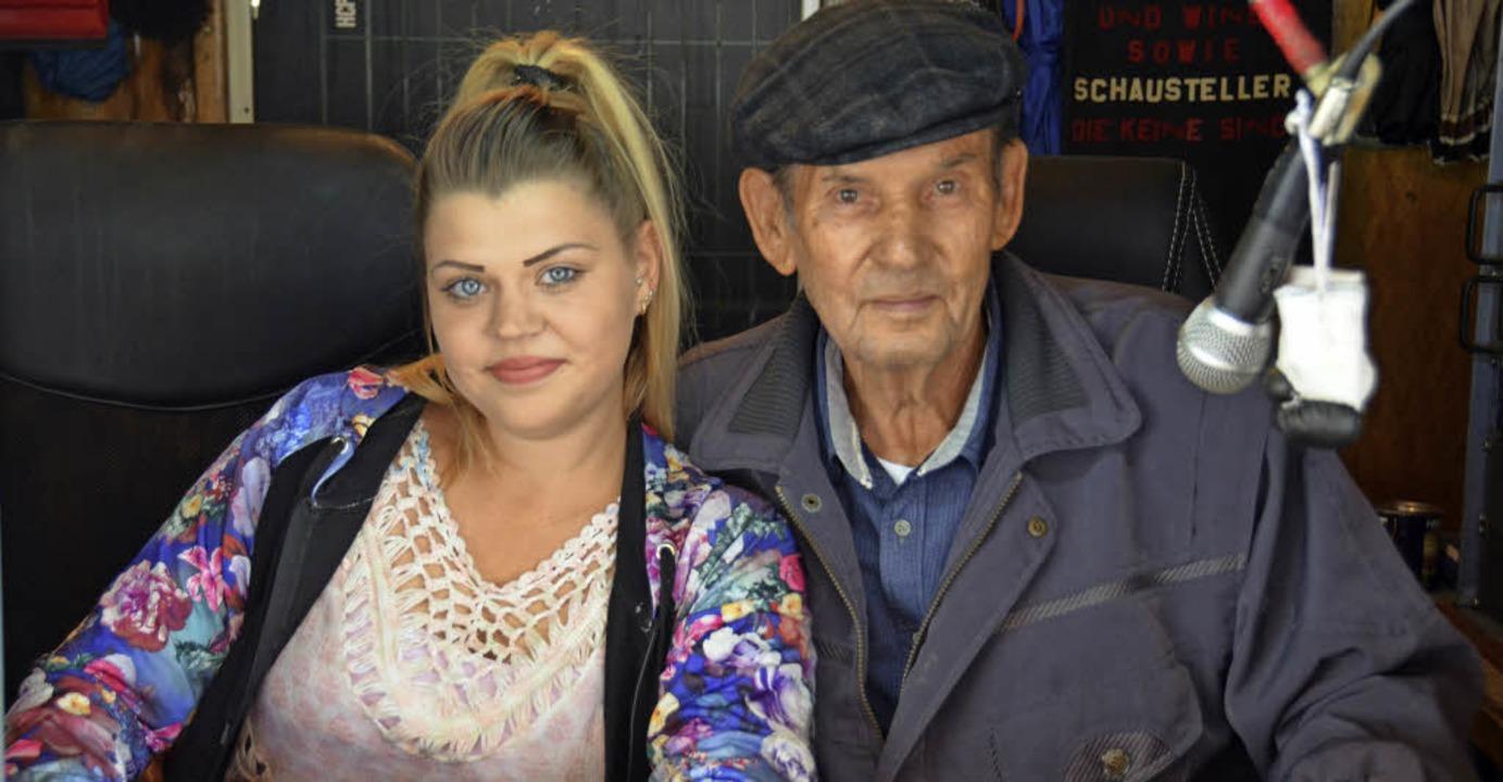Natascha mit ihrem Großvater  Kurt Rappenecker   | Foto: Sarah Beha