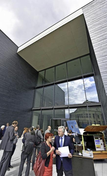 Die Architektur des Uni-Neubaus wurde wohlwollend geprüft.  | Foto: Michael Bamberger