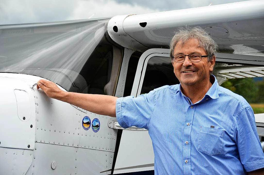Erich Meyer mit einer Cessna    Foto: Theresa Steudel