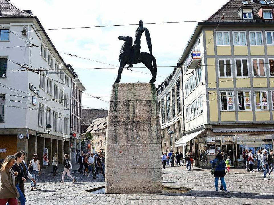Der Bertoldsbrunnen mit Blick in die Bertoldstraße, 200 Jahre später  | Foto: Rita Eggstein